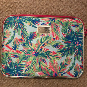 LILLY PULITZER - Laptop case.